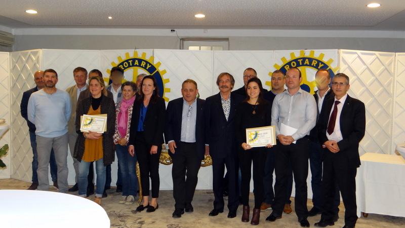 membres du Rotary Club et Reaj remise de prix